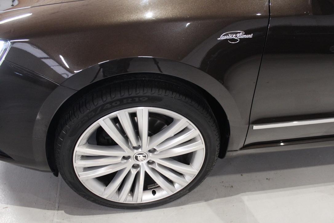 Škoda Superb II 2.0 TDI DSG Laurin&Klement - AutoBrela obrázek