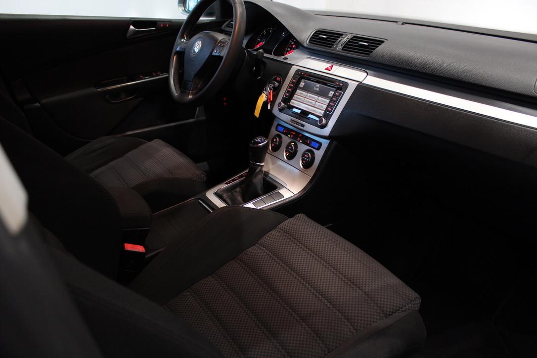 VW Passat B6 2.0 TDI  HIGHLINE - AutoBrela obrázek