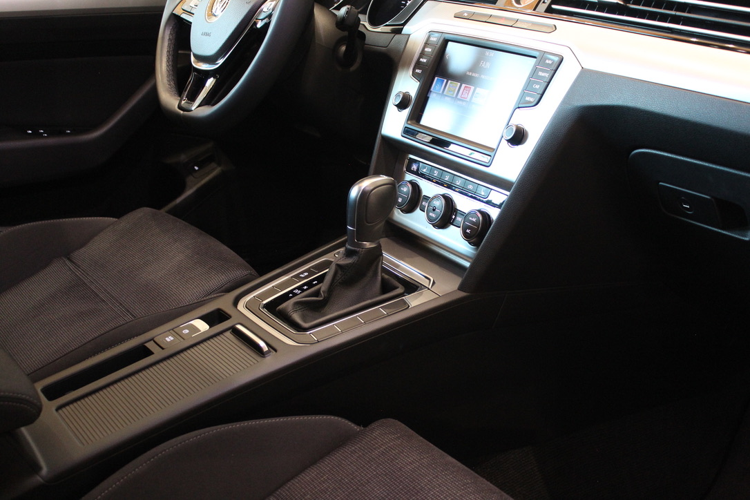 VW Passat B8 2.0 TDI DSG HIGHLINE - AutoBrela obrázek