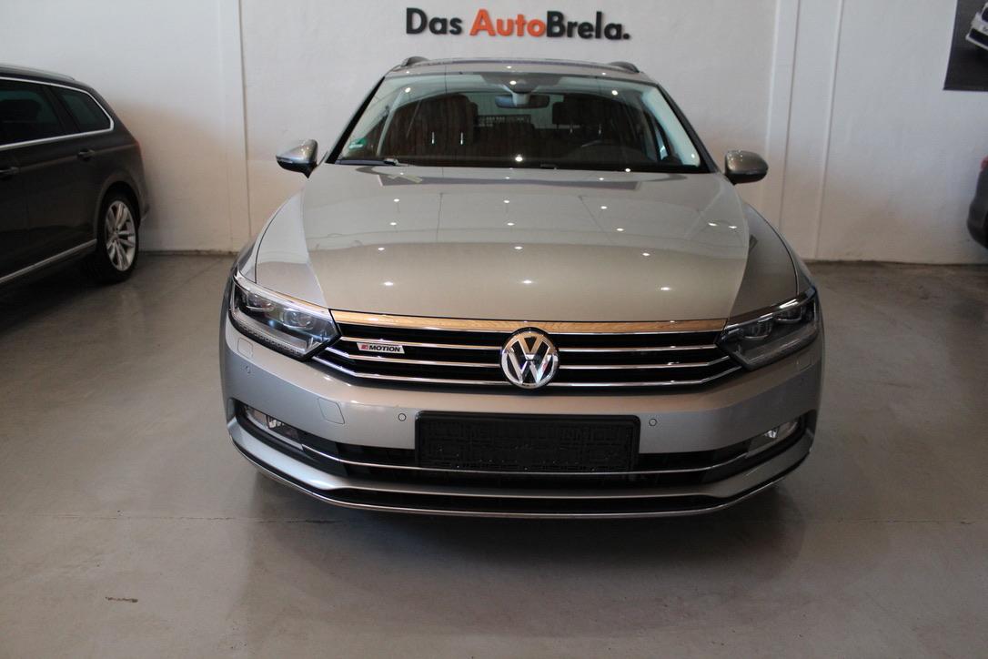 VW Passat  2.0 BiTDi 4 Motion 176 kW DSG Highline Active Info display 12″ - AutoBrela obrázek