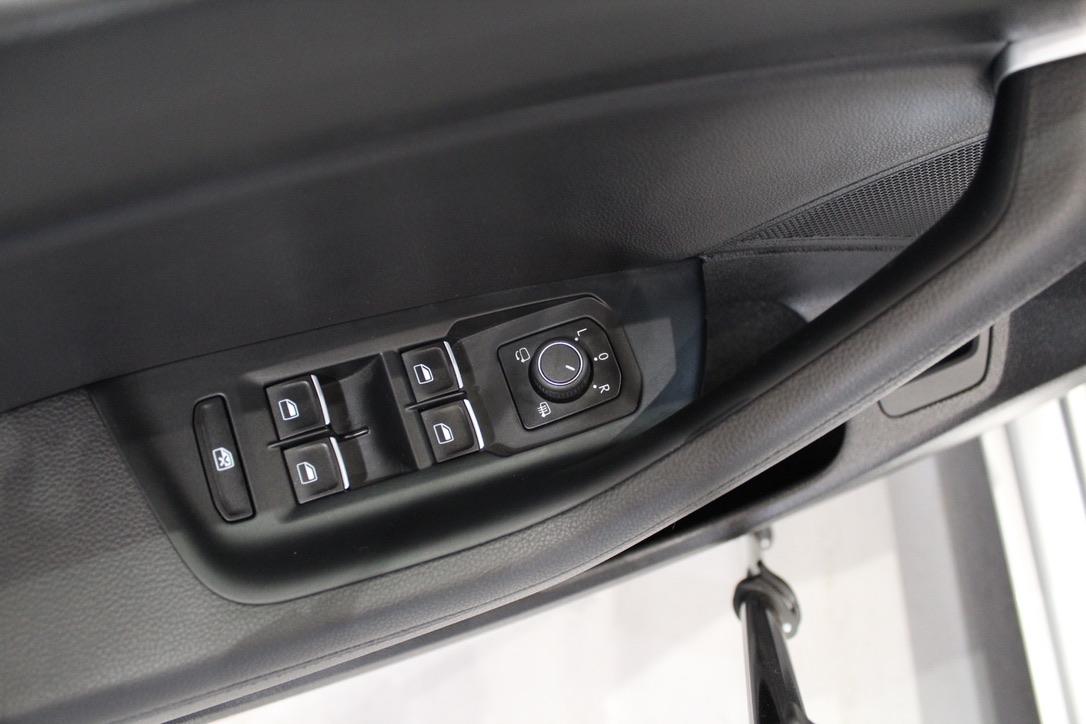 VW Passat Variant Highline 2.0 BiTDi DSG 4Motion 176 kW -DPH - AutoBrela obrázek