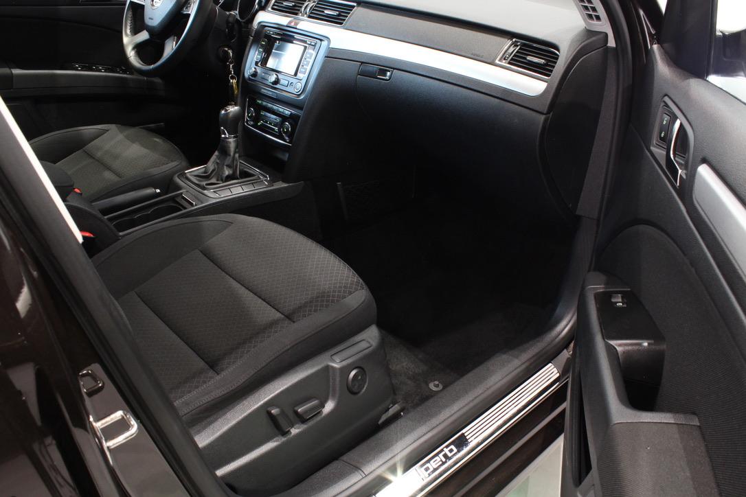 Škoda Superb II 2.0 TDI  Laurin&Klement - AutoBrela obrázek