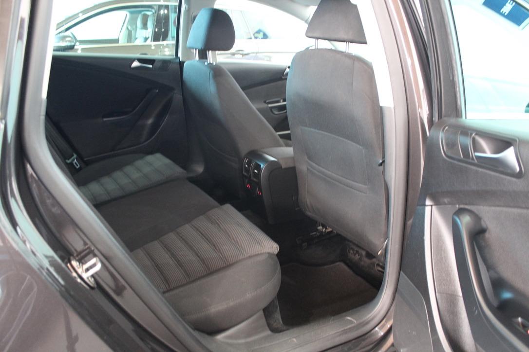 VW Passat 2.0 TDI Sport - AutoBrela obrázek