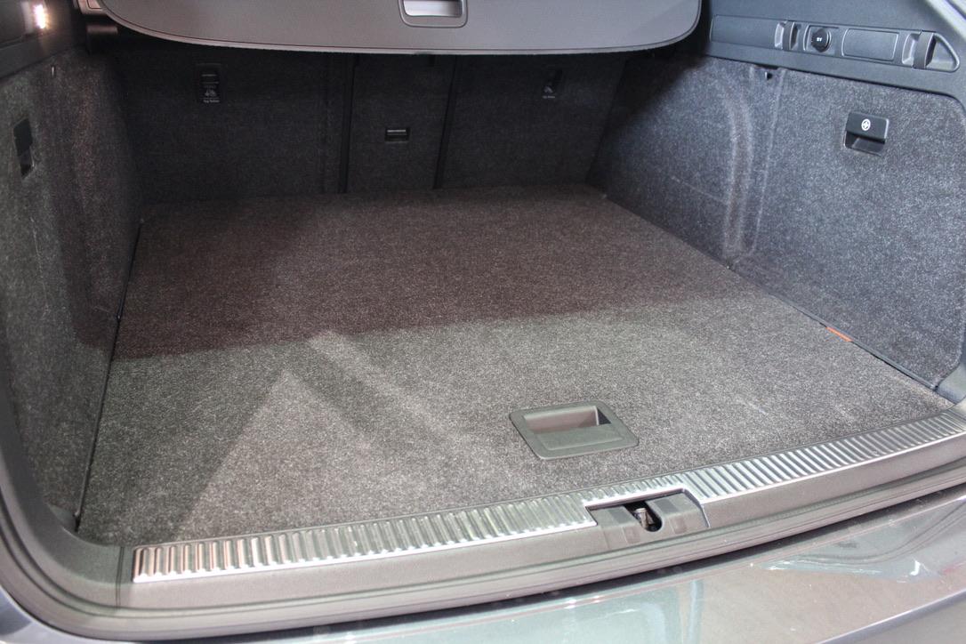 Škoda Superb III 2.0 TDI DSG Laurin&Klement kombi - AutoBrela obrázek