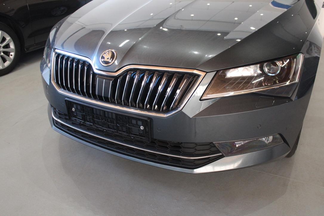 Škoda Superb III 2.0 TDI DSG 140 kW Laurin&Klement kombi - AutoBrela obrázek