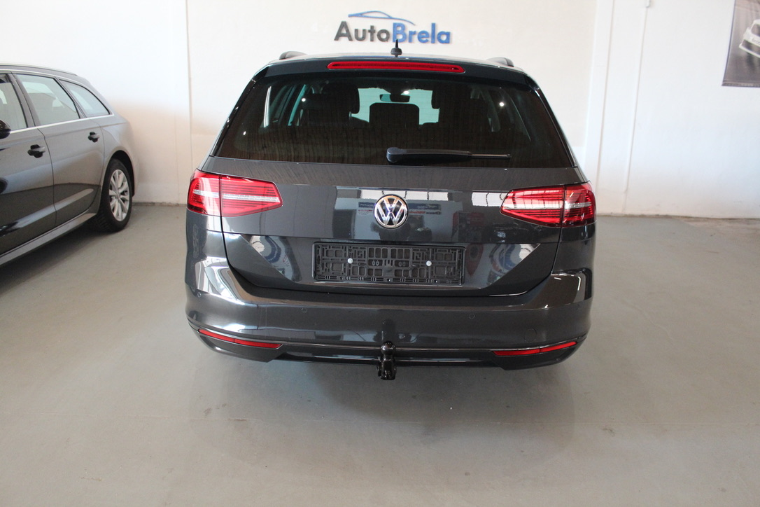 VW Passat B8 2.0 TDI Highline Active Info display 12″ Full Led - AutoBrela obrázek