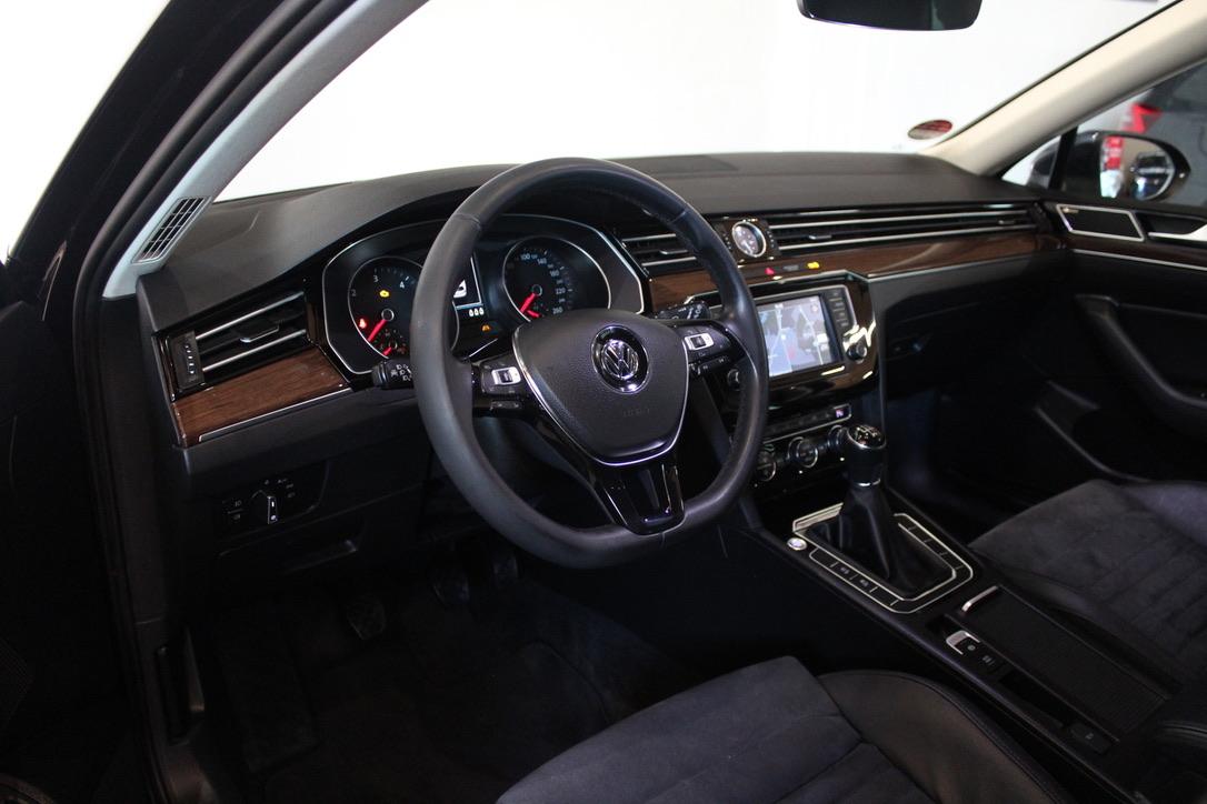VW Passat B8 2.0 TDI 140 kW Highline Full Led - AutoBrela obrázek