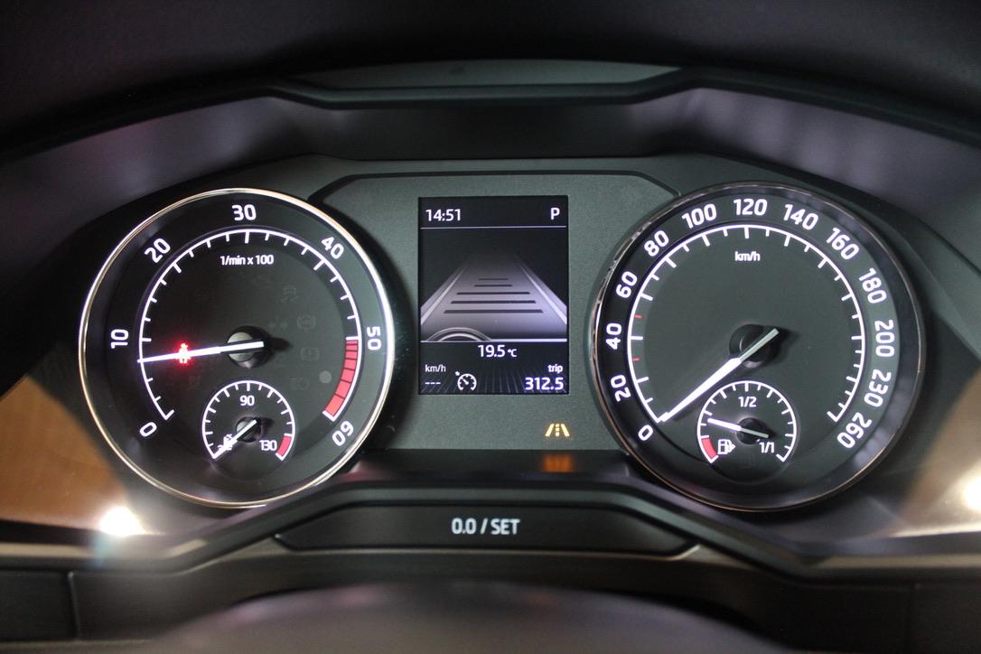 Škoda Superb III 2.0 TDI DSG STYLE Kombi - AutoBrela obrázek