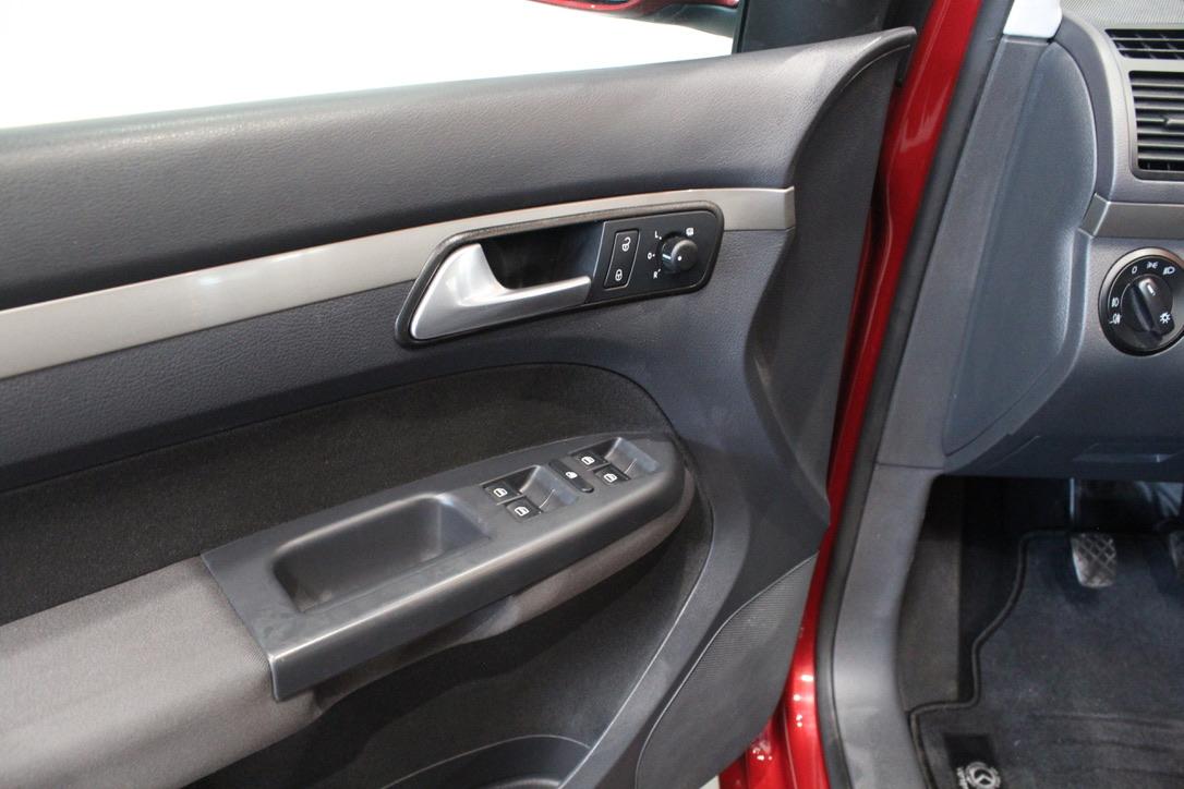 VW Touran 2.0 TDI - AutoBrela obrázek