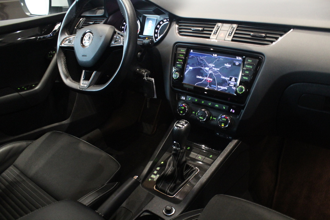 Škoda Octavia III RS 2.0 TDI DSG 135kW Laurin&Klement - AutoBrela obrázek