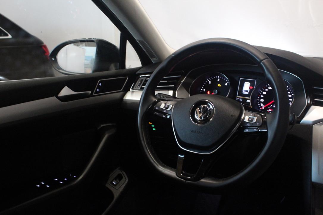 VW Passat B8 2.0 TDI DSG Highline Nezávislé topení - AutoBrela obrázek
