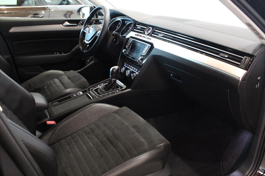 VW Passat B8 2.0 TDI 140kW DSG Highline Model 2017 - AutoBrela obrázek