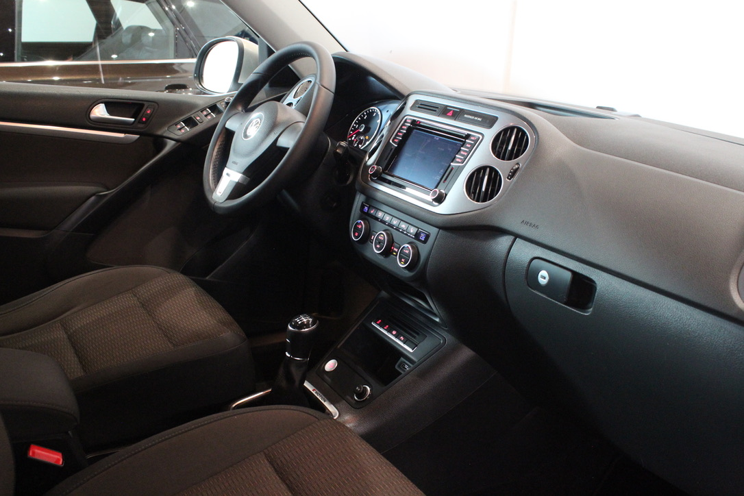 VW Tiguan 2.0 TDI Highline 4×4 Nezávislé topení - AutoBrela obrázek