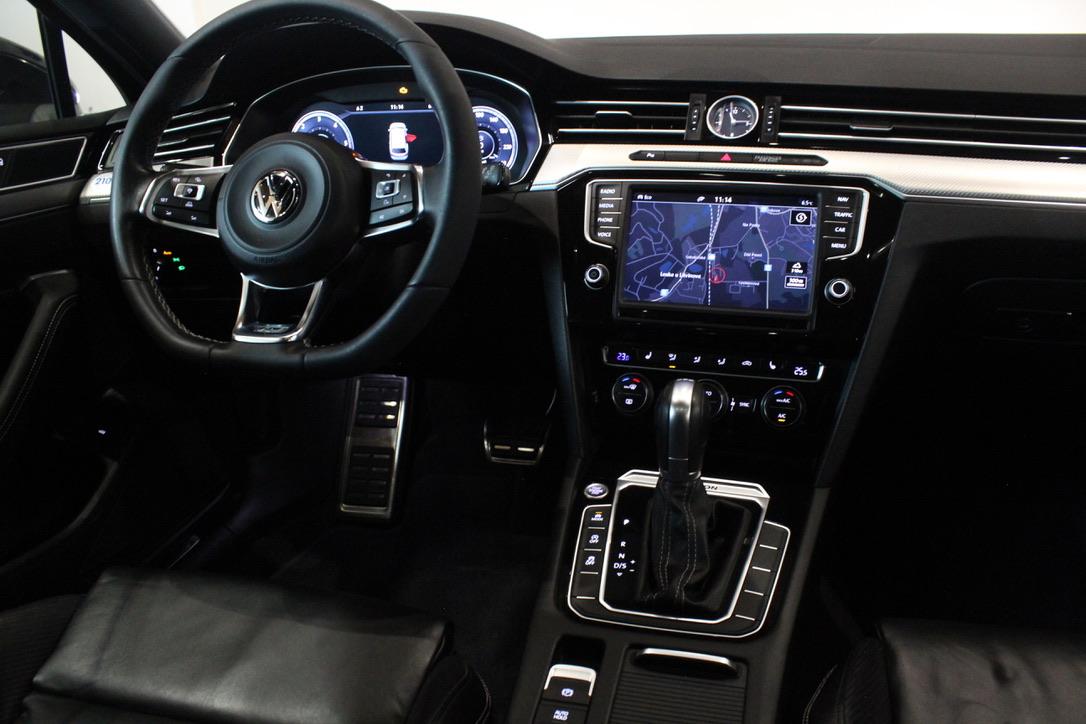 VW Passat B8 2.0 TDI 176 kW 4Motion R-LINE Exclusive Active Info display 12″ Full-Led - AutoBrela obrázek
