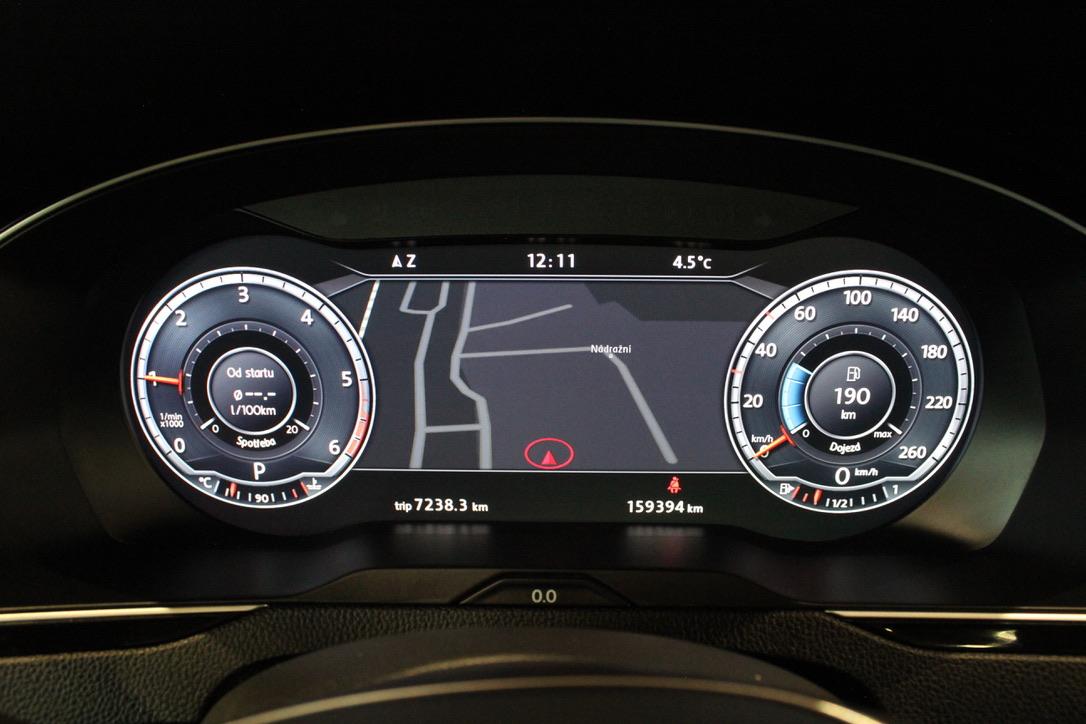 VW Passat B8 2.0 TDI DSG Active Info display 12″ 4Motion 176kW Exclusive Highline - AutoBrela obrázek