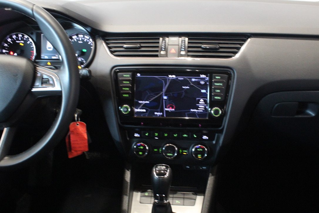 Škoda Octavia III 2.0 TDI DSG Elegance - AutoBrela obrázek