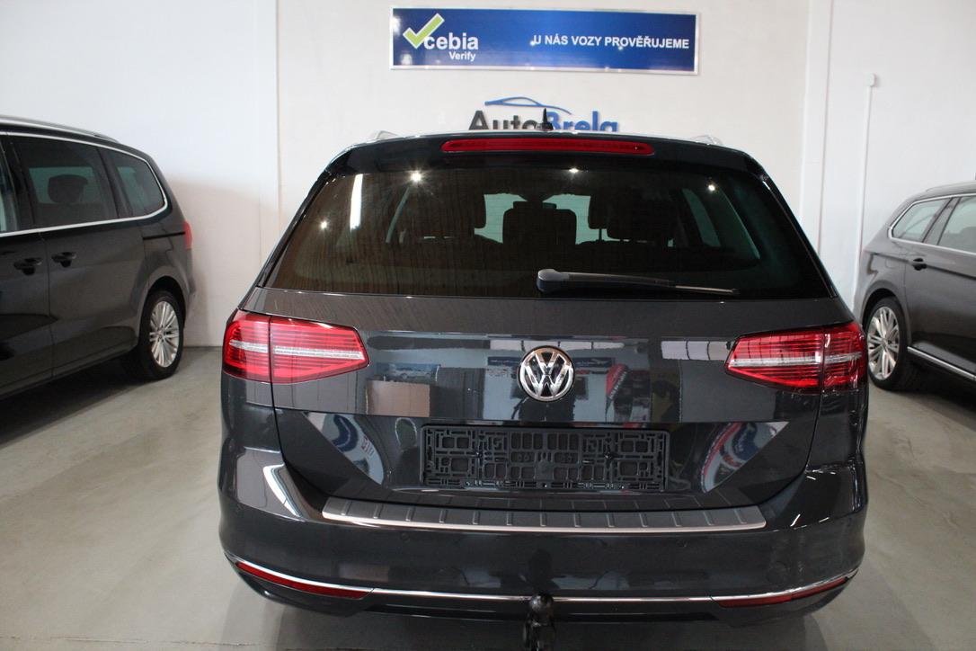 VW Passat B8 2.0 TDI DSG Highline Nezávislé Topení Full Led - AutoBrela obrázek
