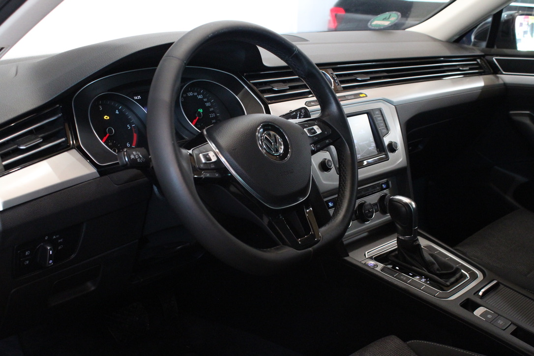 VW Passat B8 2.0 TDI DSG Highline Full Led - AutoBrela obrázek