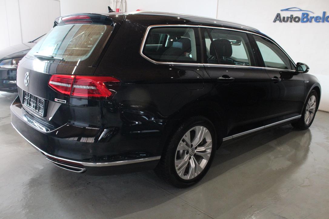 VW Passat B8 2.0 TDI DSG 4Motion 176 kW Highline Active Info display 12″ - AutoBrela obrázek