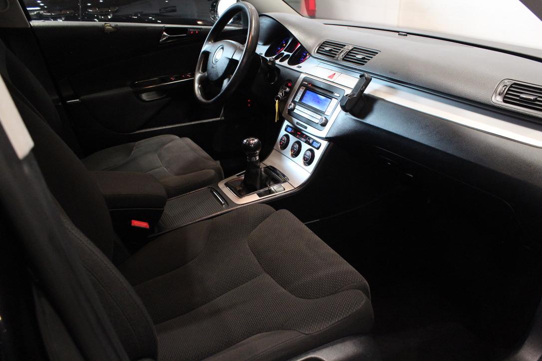 VW Passat 2.0 TDI Highline Tažné zařízení - AutoBrela obrázek
