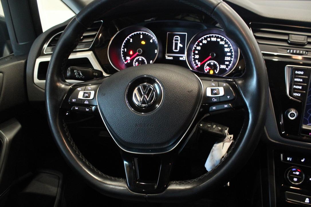 VW Touran 2.0 TDI Navigace Bi-xennony - AutoBrela obrázek