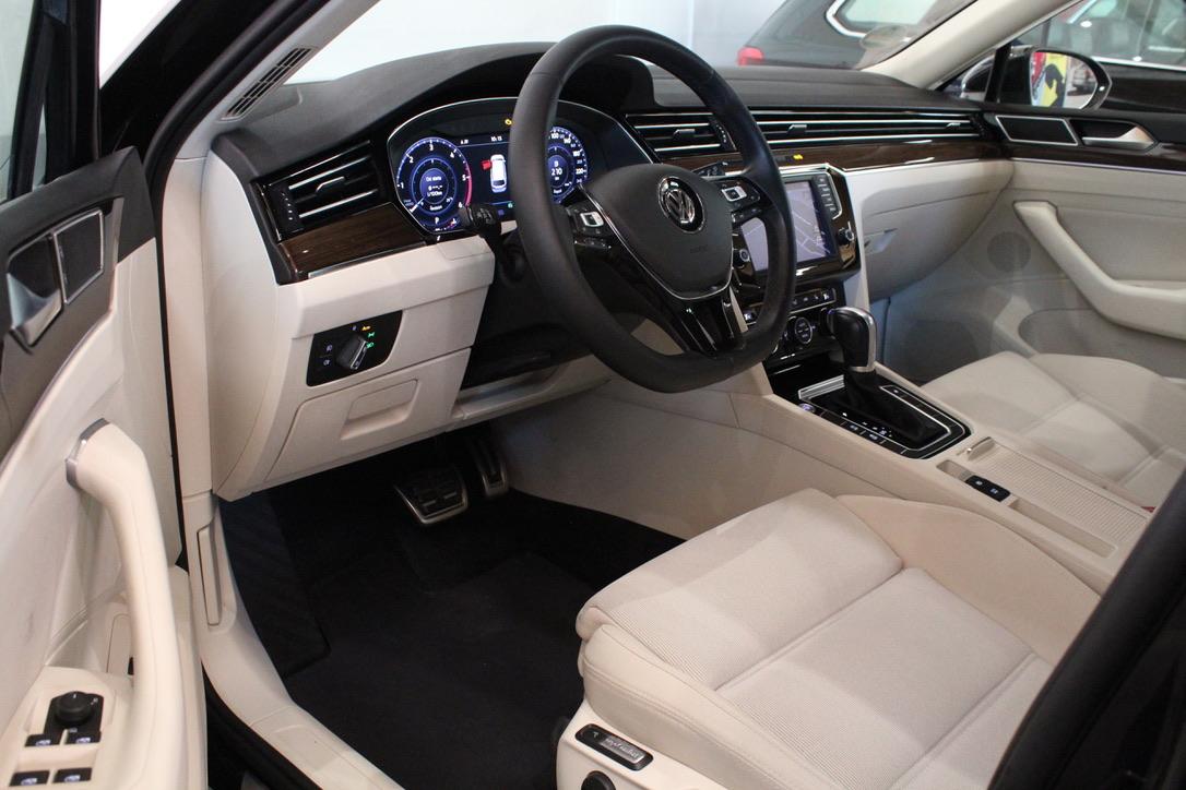 VW Passat B8 2.0 TDI DSG Highline FULL LED Active Info display Nezávislé Topení - AutoBrela obrázek