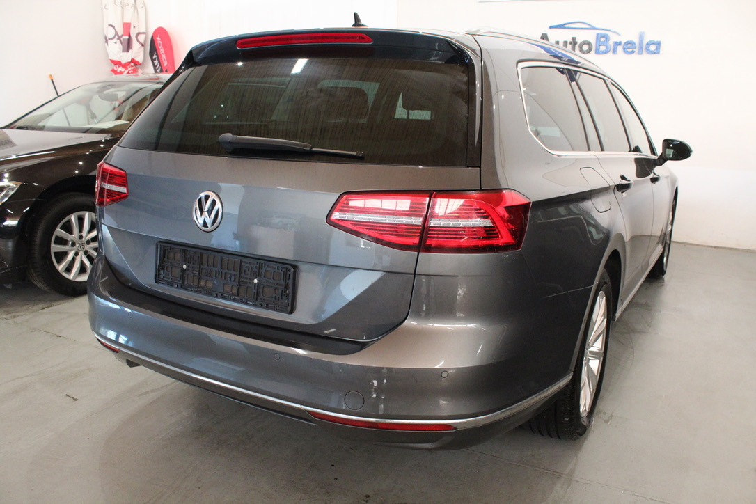 VW Passat B8 2.0 TDI DSG Highline Active Info display 12″ Nezávislé topení  Area View 360° - AutoBrela obrázek