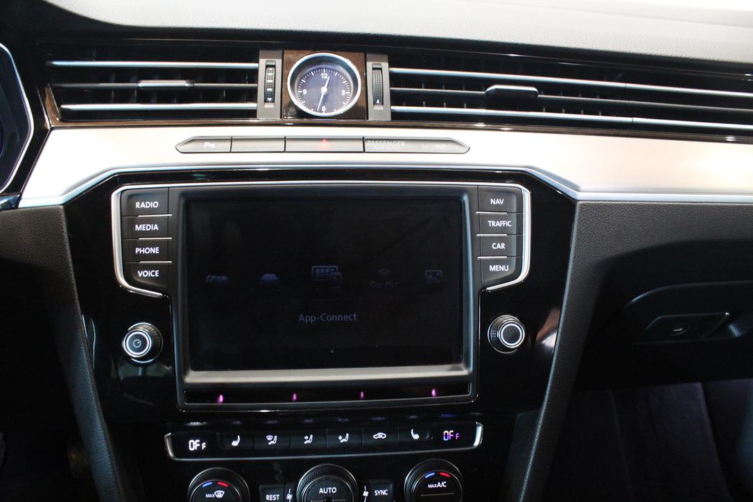 VW Passat B8 2.0 TDI 140kW Highline Active Info display 12″ - AutoBrela obrázek