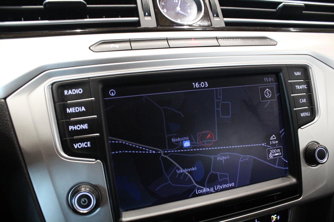 VW Passat B8 2.0 TDI DSG 140kW 4Motion FULL LED Active Info display 12″ - AutoBrela obrázek