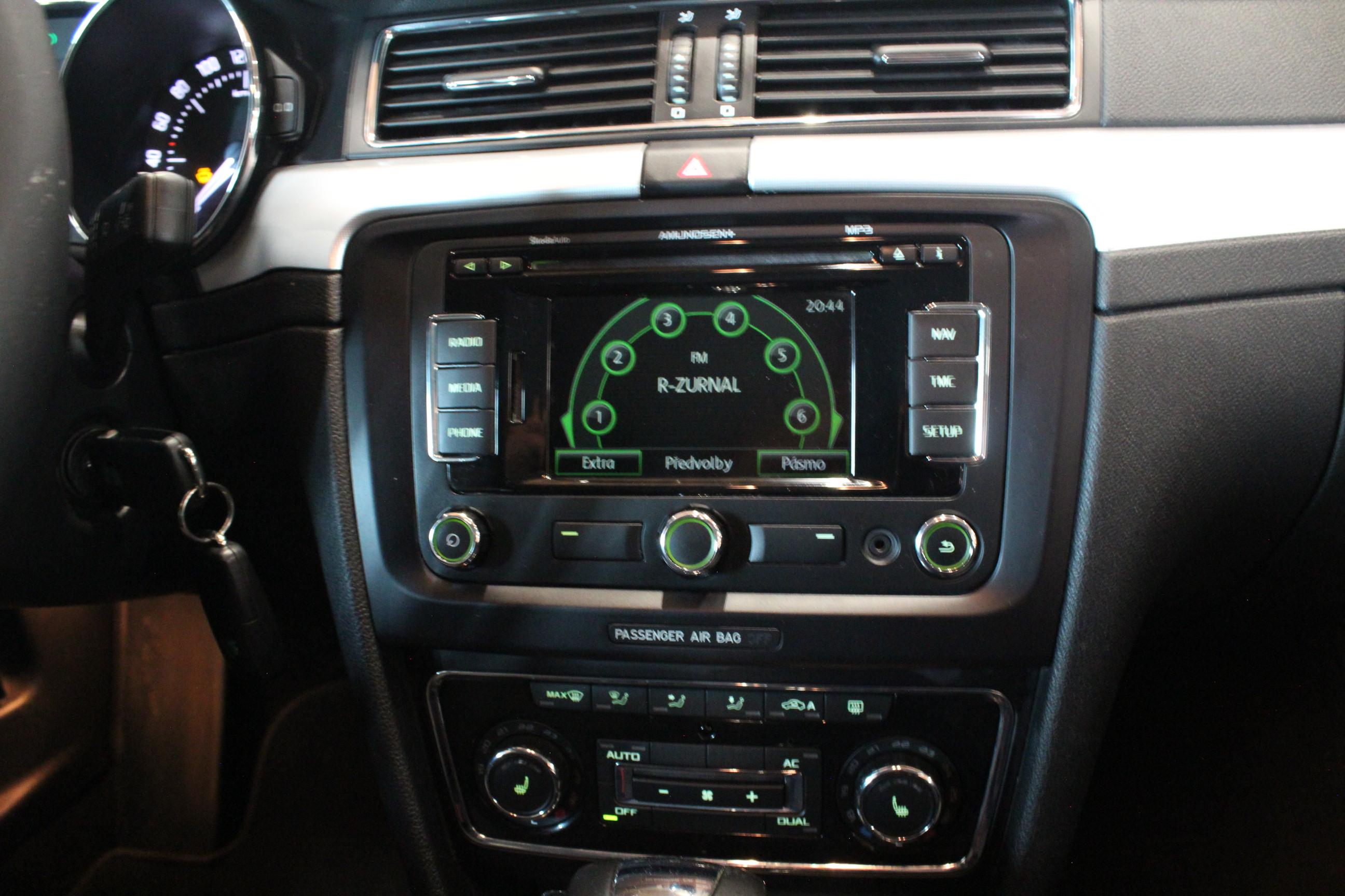 Škoda Superb II 2.0 TDI DSG - AutoBrela obrázek