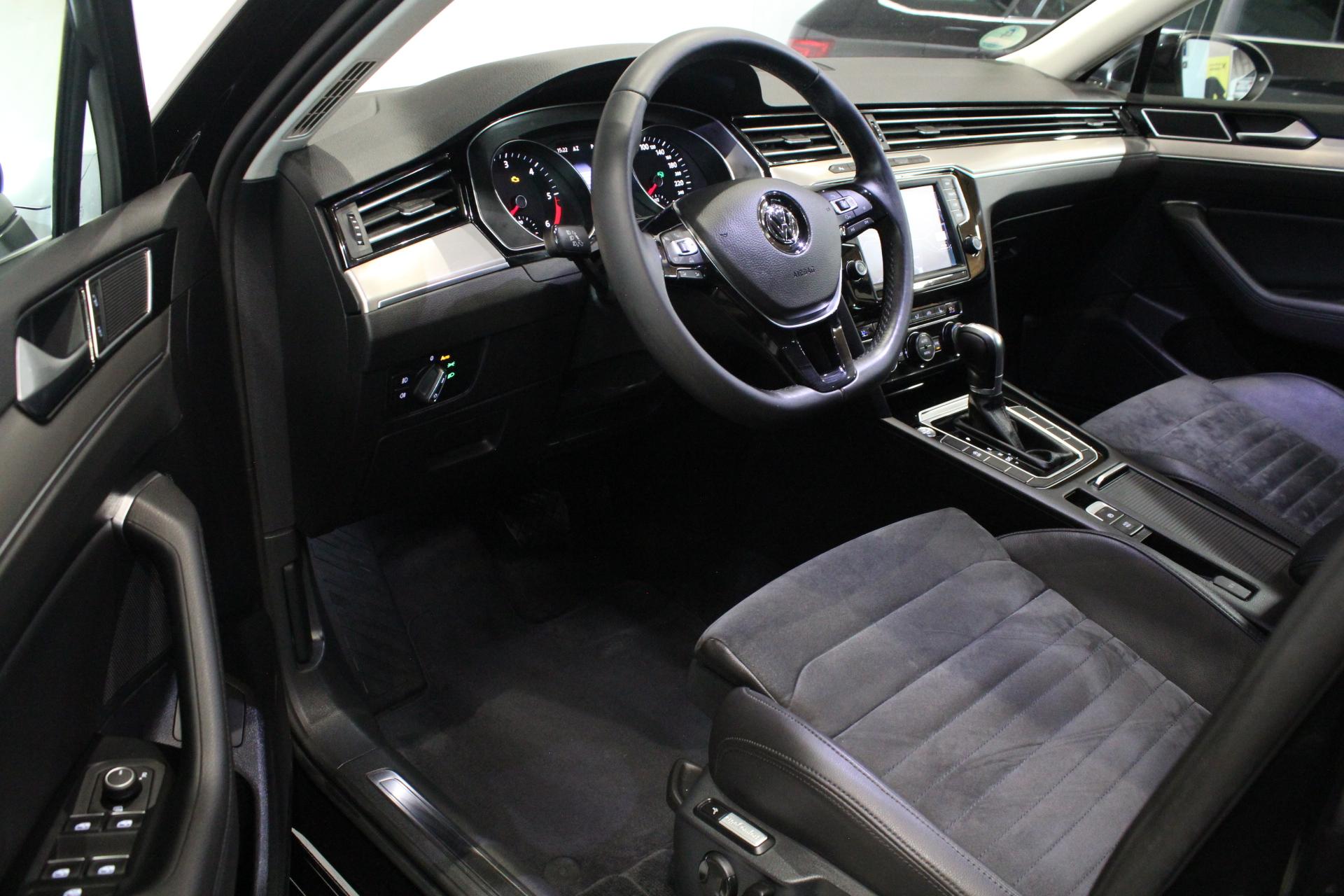 VW Passat B8 2.0 TDI DSG Highline Navi 9.2″ - AutoBrela obrázek