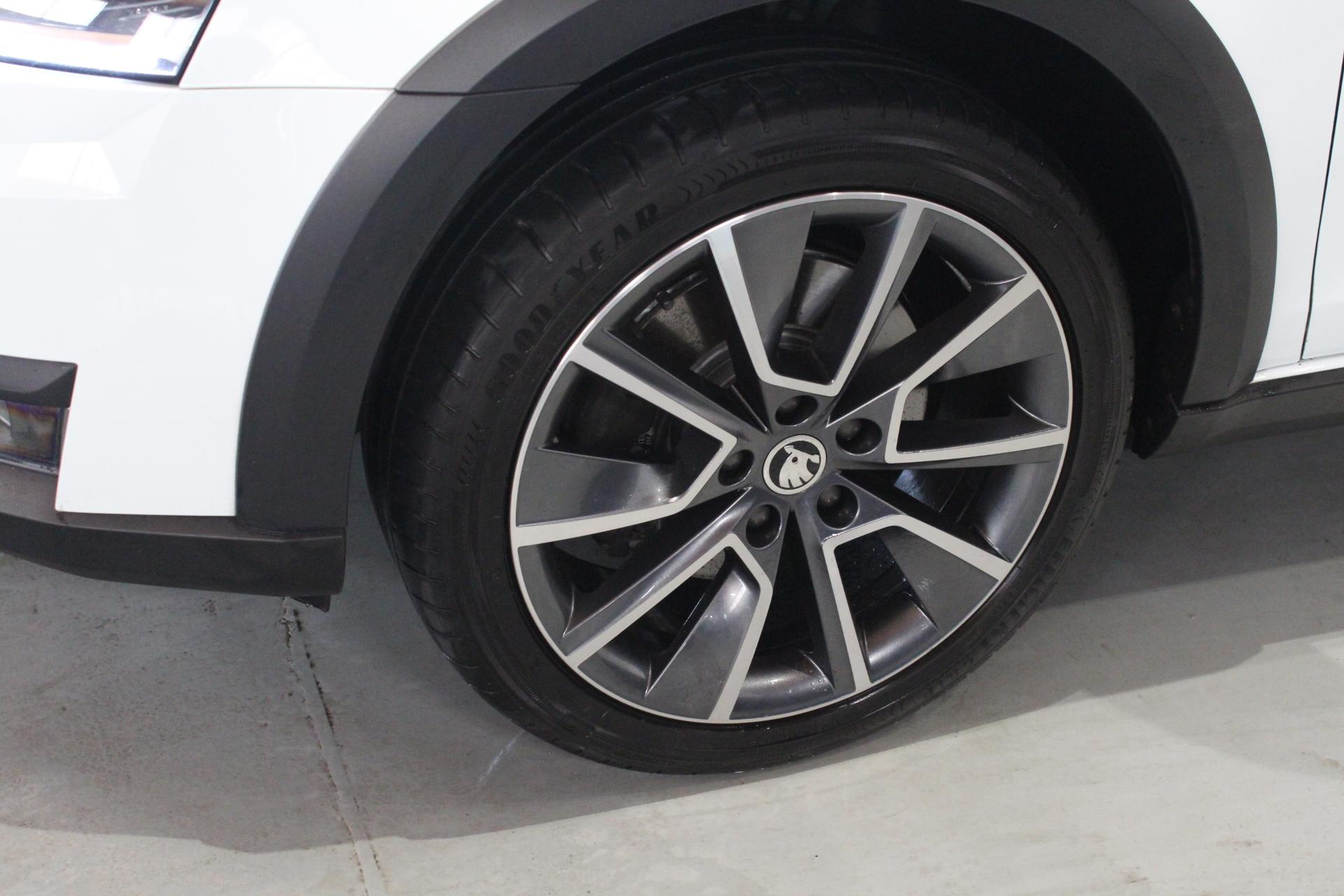 Škoda Octavia III Scout 4×4 Facelift 2.0 TDI DSG 135 kW Navigace Style - AutoBrela obrázek
