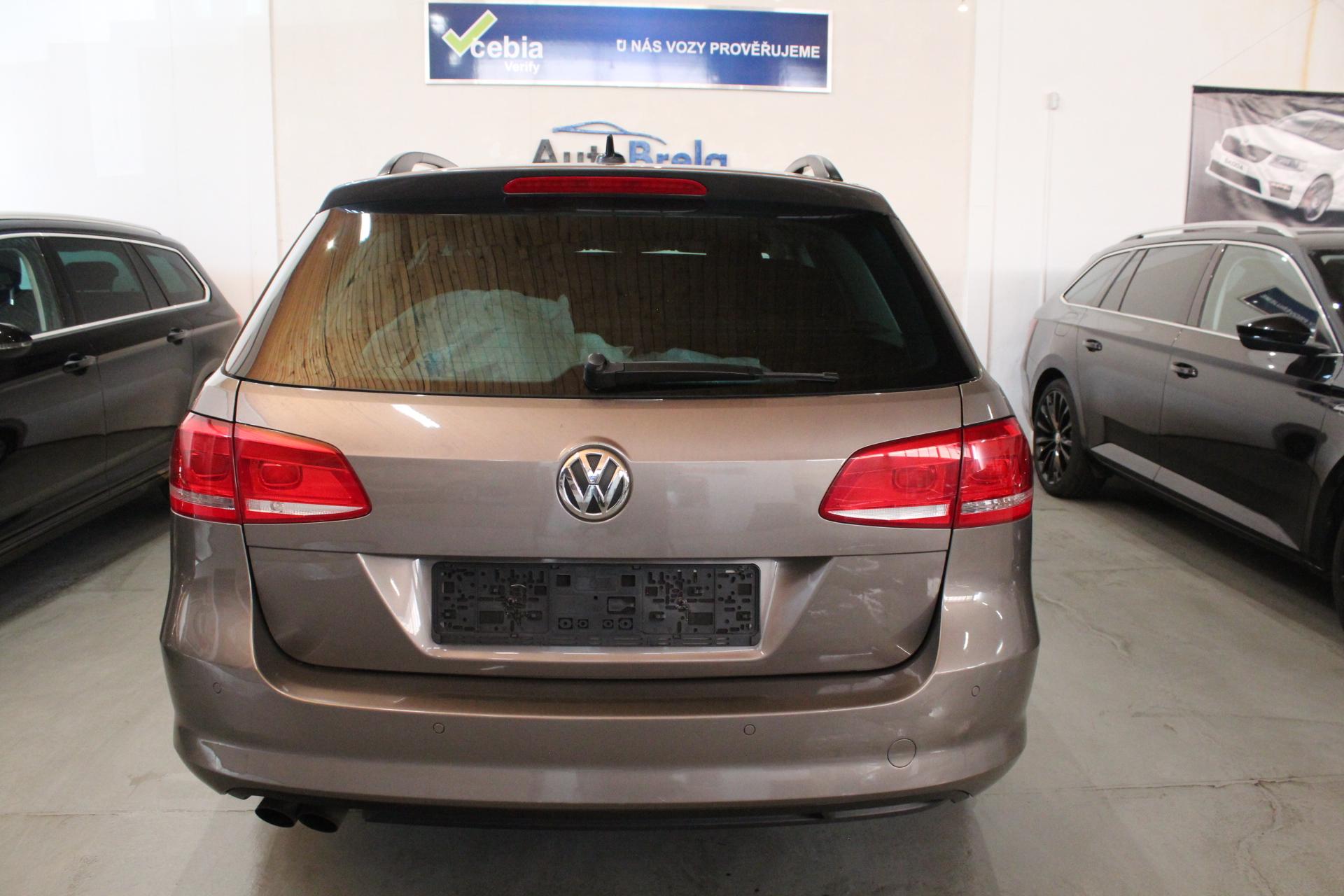 VW Passat B7 2.0 TDI DSG Navigace - AutoBrela obrázek