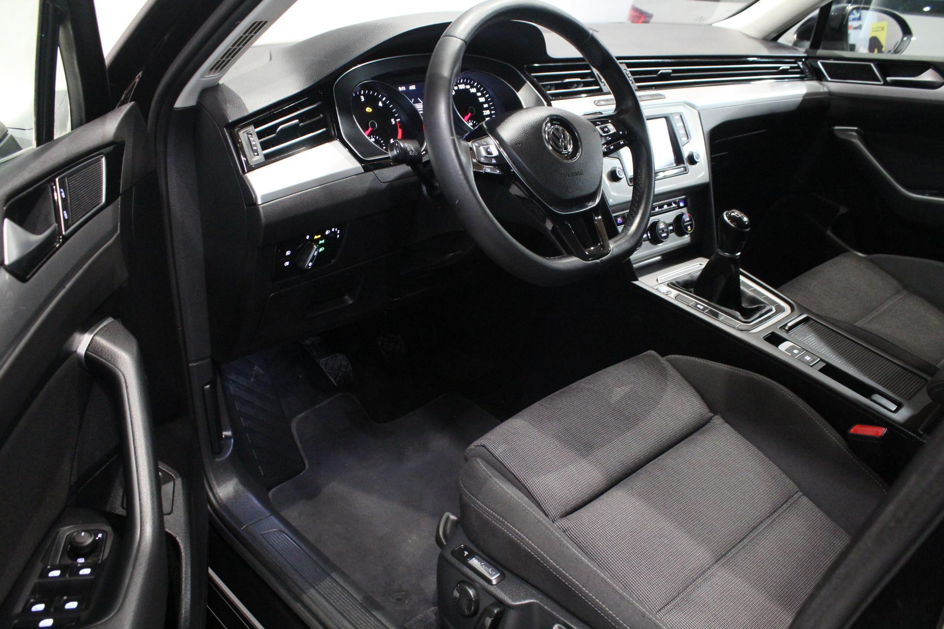 VW Passat B8 2.0 TDI - AutoBrela obrázek