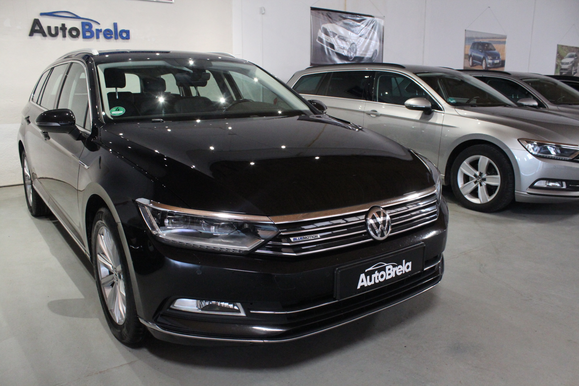 VW Passat B8 2.0 TDI DSG Highline Info display FULL LED - AutoBrela obrázek
